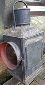 click for 14K .jpg image of DNGR Omeath gate lamp