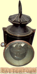 click for 8.3K .jpg image of MGWR lamp